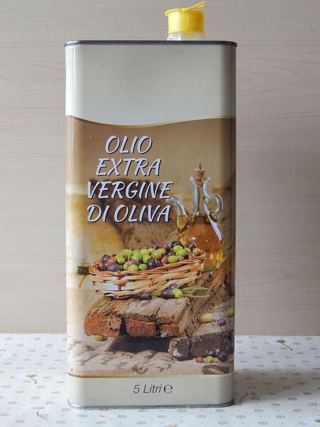 оливковое масло в банке